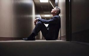 Eine neue Studie offenbart, dass sich in Großbritannien mehr Männer mitlleren Alters als vor 7 Jahren das Leben nehmen.